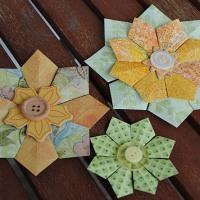 Tutoriaali söpöjen kukkasten taitteluun