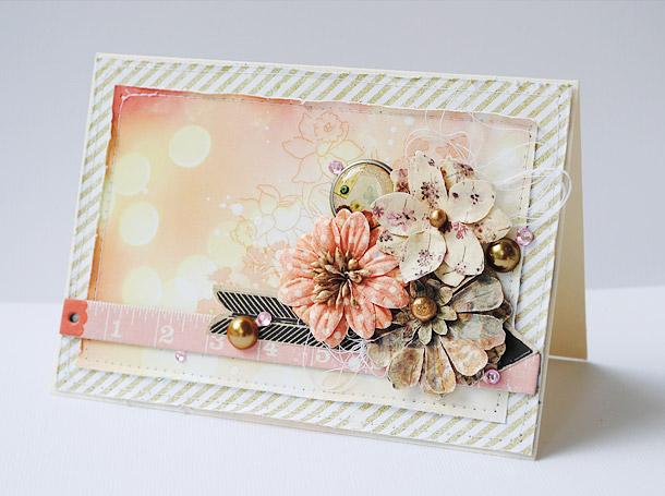Käsintehty kukkakortti paperista kerrostamalla